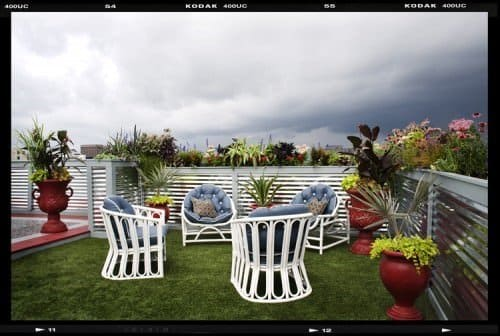 Artificial grass looks great on roof terraces and balconies.
