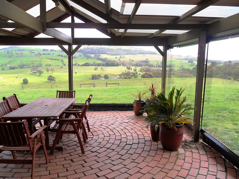 5 Things to Consider When Buying Cafe Blinds - Research, Australian Outdoor Living.