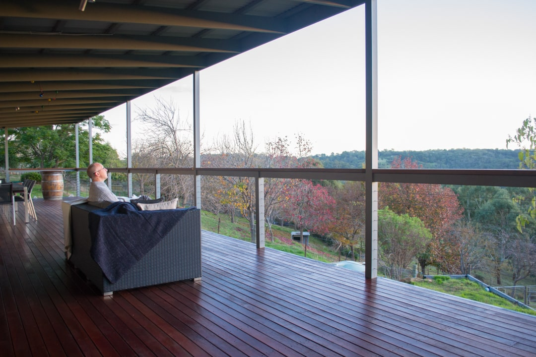 A helpful guide to buying a timber deck - A timber deck is a great spot to sit back and relax, Australian Outdoor Living.